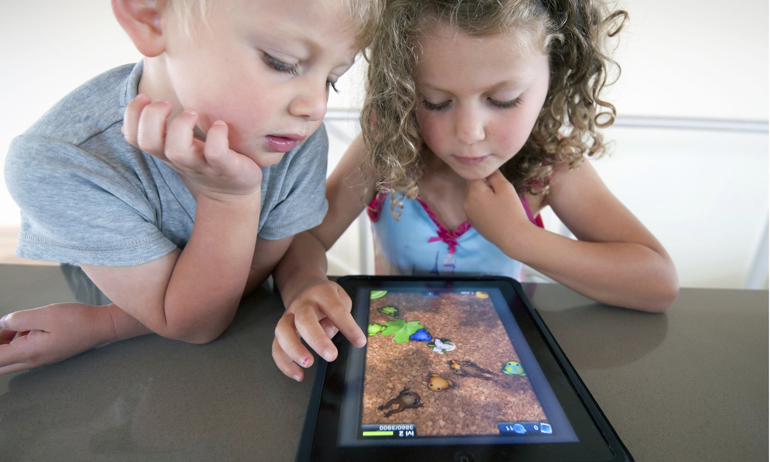 the effect of video games on children Chapter 3 the impact of violent video games: an overview craig a anderson and wayne a warburton parents often ask about the effects of violent video games on their.